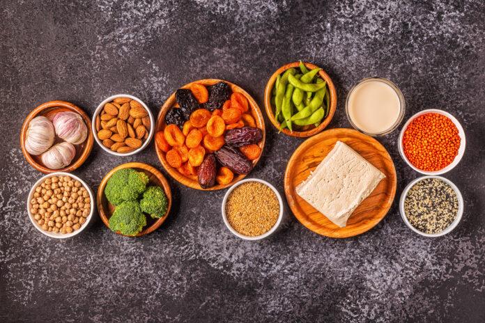 Aliments riches en œstrogènes, régime de la ménopause. Vue d'en haut.