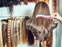 Matériel d'extension de cheveux naturels. échantillons de cheveux de différentes couleurs
