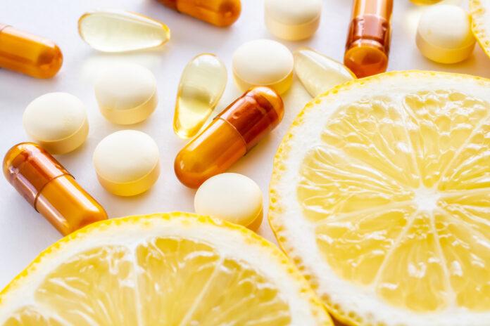 Supplement, Citroen, Vitaminen, Voeding, Witte Achtergrond